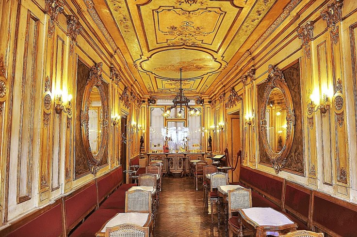 1200px-Cafe_Florian_(132220111)